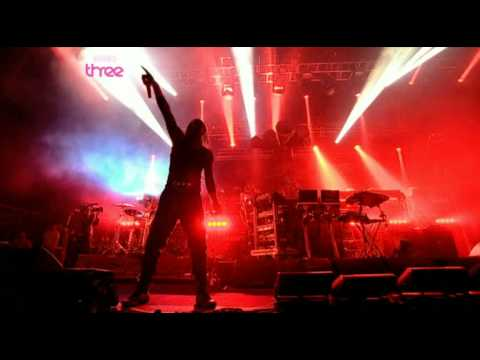 Pendulum - The Prodigy-Invaders Must Die (live @ glastonbury 2009)