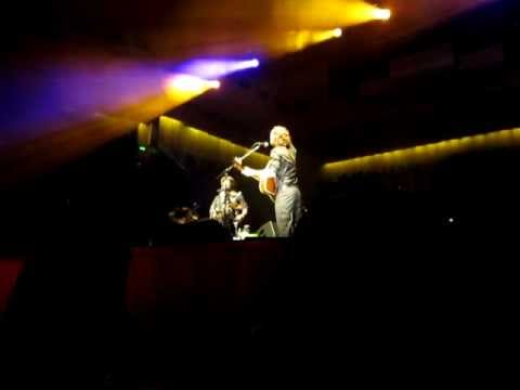 Сиднейский оперный театр - Beautiful Mess - Sydney Opera House Nov 19 2011