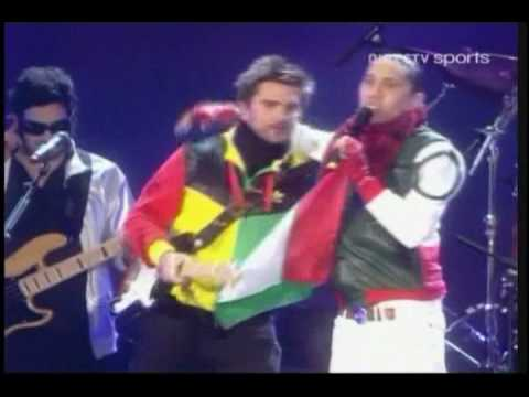 Клипы - Juanes ft. Taboo (Black Eyed Peas) - La Paga (Live) (DIRECTV Sports)
