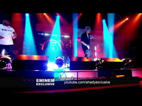 Клипы - Eminem - We Made You | Live Friday Night 2009