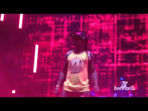 "Клипы - Lil Wayne Performs ""Bill Gates"" At Bonnaroo 2011"