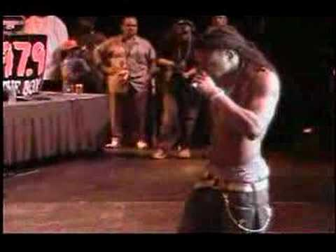 Клипы - TALK ON DA WALK*** LIL WAYNE ON STAGE EXCLUSIVE***
