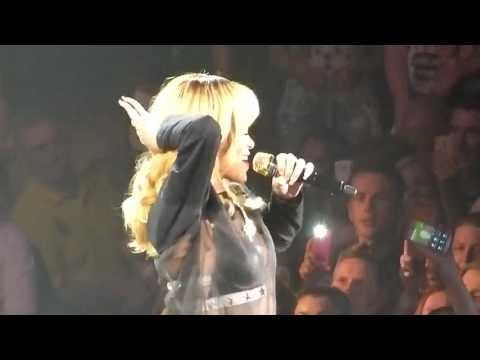 Клипы - Talk That Talk - Rihanna - Diamonds World Tour - Manchester - 13/06/2013