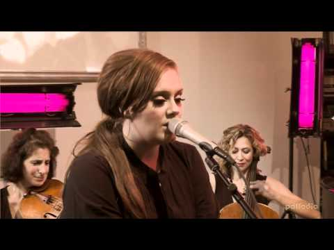 Клипы - Adele Melt My Heart To Stone (Live At New York City's Nyehaus)