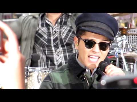 Клипы - Bruno Mars Today Show Just the way you are