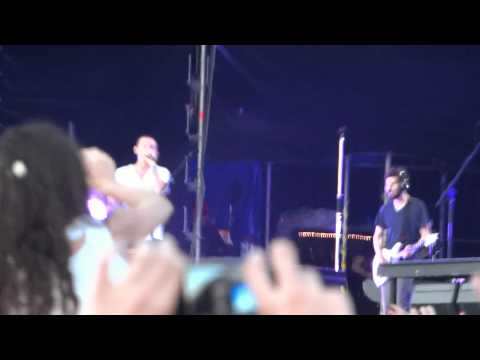 Клипы - Linkin Park - Breaking The Habit Live At Maxidrom 10-06-2012