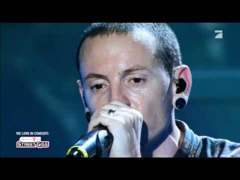 Клипы - Linkin Park - Numb Live In Berlin 2012 (Telekom Street Gigs) HD