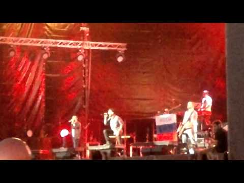 Клипы - Linkin Park - Papercut Live At Maxidrom 10-06-2012