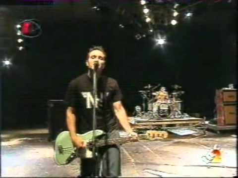Клипы - blink-182 Don't Leave Me Bologna 2000