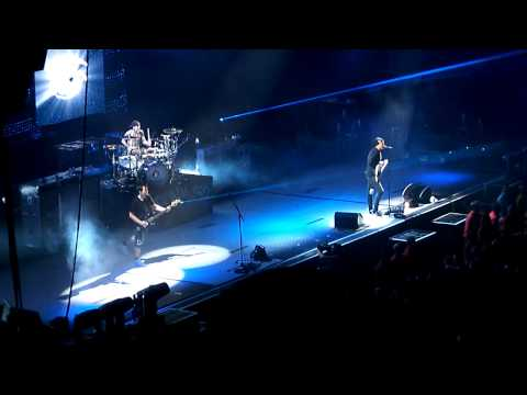 Клипы - Blink 182 - Ghost On The Dance Floor (NEW SONG) - Live In Winnipeg Aug 25, 2011 - HD