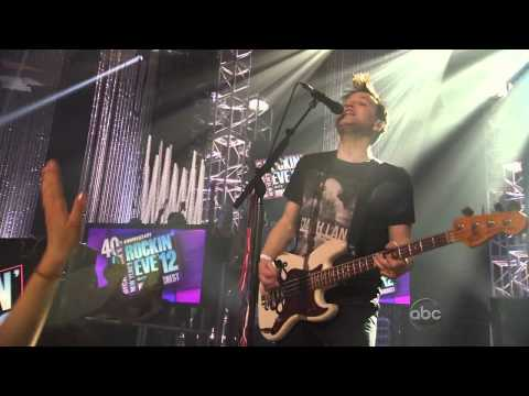 Клипы - blink-182 - The Rock Show live @ Dick Clark's New Years Rockin' Eve 2012