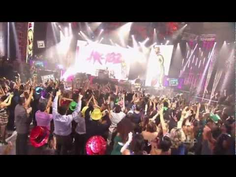 Клипы - blink-182 - Up All Night live @ Dick Clark's New Years Rockin' Eve 2012