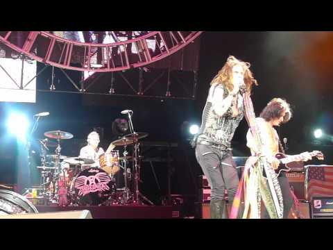 Клипы - Chip Away The Stone - Philadelphia 07-21-2012