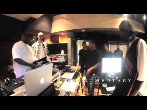 Клипы - Doggisodes Ep. 9 - Studio Session: Snoop Dogg, DJ Quik, DJ Battlecat, DOC, 1500 or Nothin & DJ Pooh
