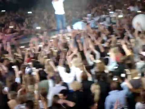 Клипы - Enrique Iglesias 'TONIGHT' (The End of Concert) [Live] @ Ahoy Rotterdam 2011