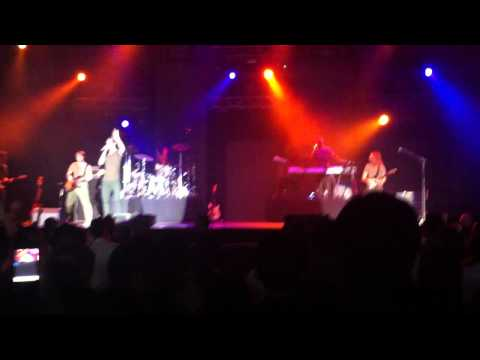 Клипы - Maroon 5 - Move likes Jagger Live in Bangkok 8 October 2012
