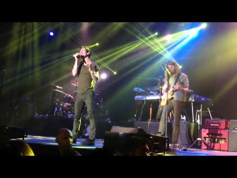 "Клипы - Maroon5 live in Bangkok 2012 ""Sunday morning"""