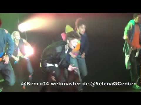 Клипы - Justin Bieber in Paris - As Long As You Love Me - 1/06/12 [HD]