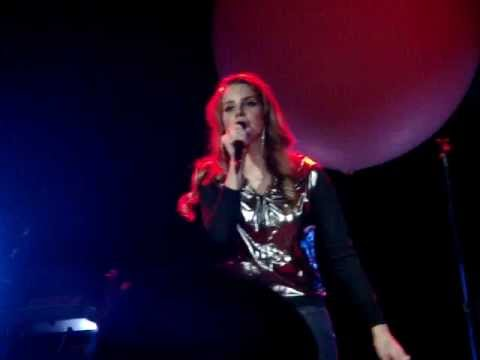 Клипы - Lana Del Rey - Diet Mtn Dew (First Live Performance at Mod Club, Toronto, Canada)
